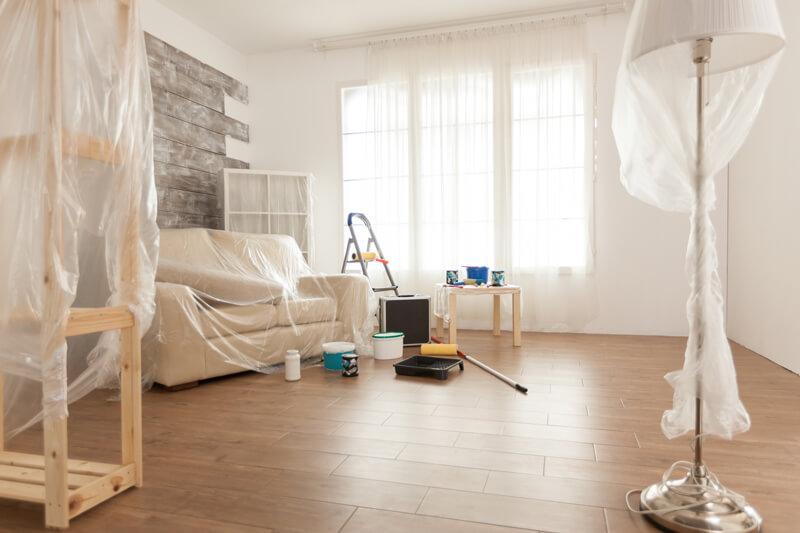 Möbel, Geräte, Böden und Fenster vor Schmutz oder Beschädigungen schützen